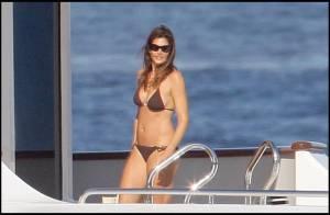 Cindy Crawford : un bikini sexy, son charmant mari et le soleil... le bonheur absolu !