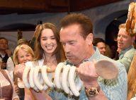 Arnold Schwarzenegger avec sa compagne Heather : retour aux sources et saucisses