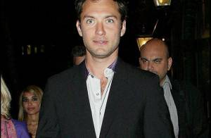 Jude Law : la mère de son futur enfant dévoile des photos d'elle... très sexy !