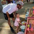 Morgan Sanson, milieu de terrain de l'Olympique de Marseille, et sa fille aînée Julia en pleine pêche aux canards, photo Instagram en juin 2019