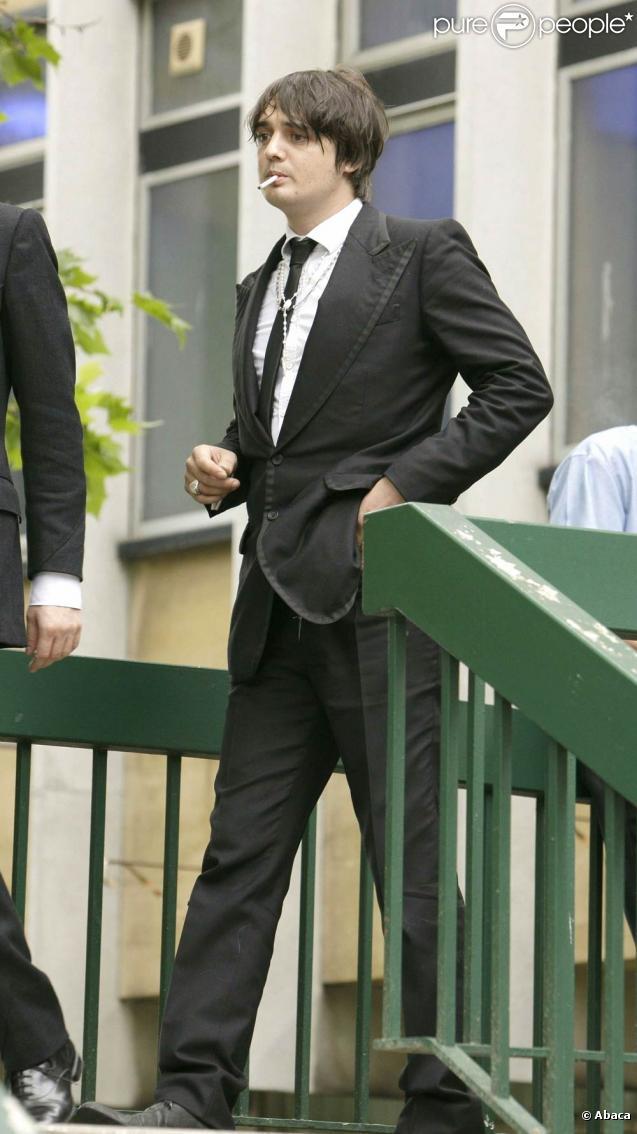 Pete Doherty au tribunal de Cheltenham (Angleterre)