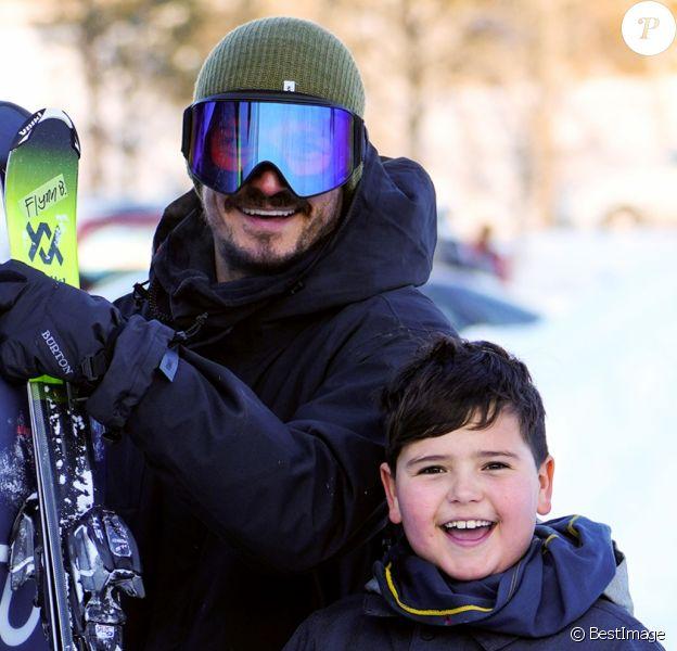 Exclusif - Orlando Bloom et son fils Flynn partent skier sur les pistes de Aspen le 2 janvier 2020.