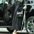 Angelina Jolie est allée au cinéma avec ses enfants à Los Angeles. La petite Shiloh marche difficilement à l'aide de béquilles. Le 9 mars 2020.