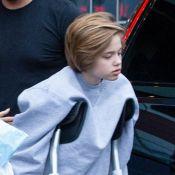 Angelina Jolie : Shiloh marche difficilement, en béquilles, après l'opération