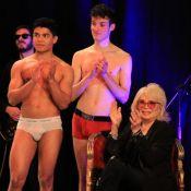 Amanda Lear : Marraine sous le charme de comédiens en boxer