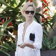 Charlize Theron fait un petit peu de shopping seule...