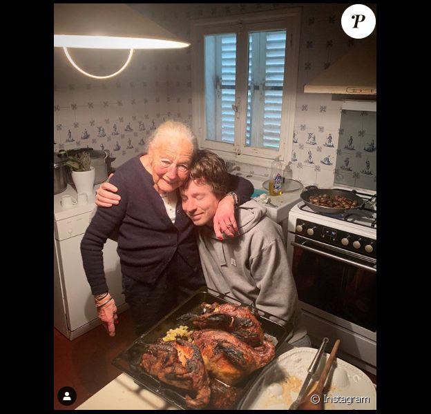 """Jean Imbert et sa grand-mère Nicole, avec qui il a lancé le restaurant """"Mamie par Jean Imbert"""". L'établissement a fermé à cause de la propagation du coronavirus en mars 2020."""