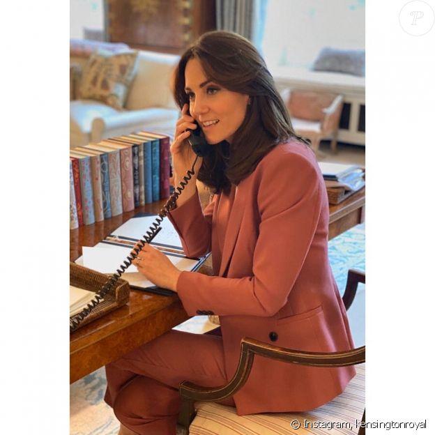 Kate Middleton dans son bureau du palais de Kensington, mars 2020.