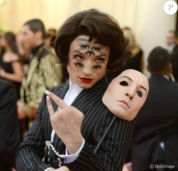 """Ezra Miller - Arrivées des people à la 71ème édition du MET Gala (Met Ball, Costume Institute Benefit) sur le thème """"Camp: Notes on Fashion"""" au Metropolitan Museum of Art à New York, le 6 mai 2019"""