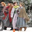 Exclusif - Emma Watson, Florence Pugh, Saoirse Ronan et Eliza Scanlen sur le tournage du film Little Women (Quatre Filles du Docteur March) dans les rues de Haward. Le 5 novembre 2018
