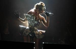Lady GaGa, toujours aussi sulfureuse, joue avec les nerfs de son public...