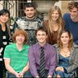 """Stanislas Lanevski, Clémence Poésy, Rupert Grint, Emma Watson, Daniel Radcliffe, Katie Leung et Robert Pattinson en promotion pour le film """"Harry Potter et la Coupe de feu"""" à Londres en 2005."""