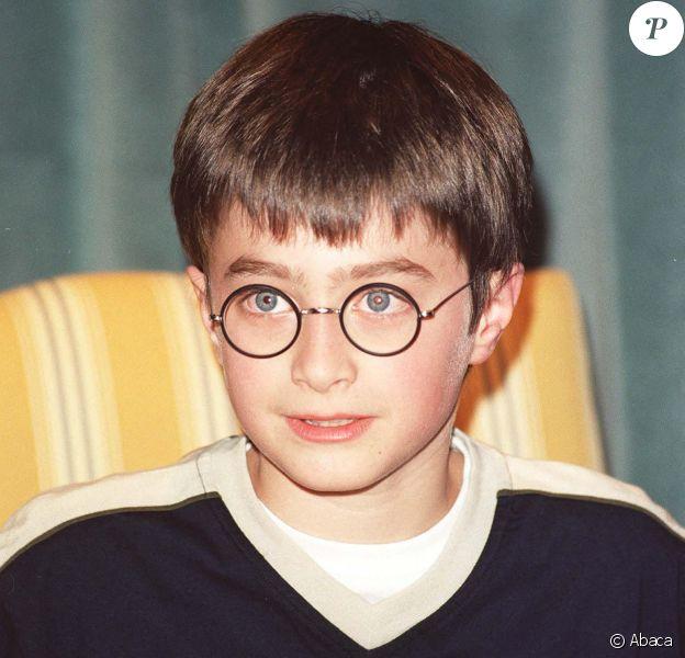 """Daniel Radcliffe en promotion pour le film """"Harry Potter à l'école des Sorciers"""" à Londres en 2000."""