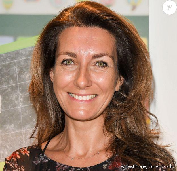 """Anne-Claire Coudray lors de la clôture de l'opération """"Levons le doigt pour l'éducation des filles"""" chez We Are à Paris le 30 janvier 2020. © Coadic Guirec / Bestimage"""