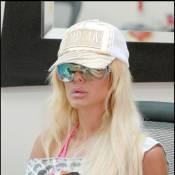 Shauna Sand : quand Romain n'est pas là... elle s'occupe comme elle peut !