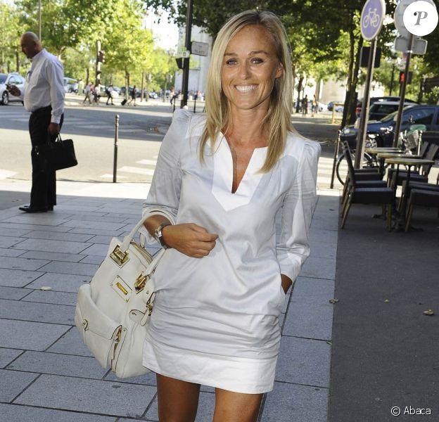 Conférence de presse de rentrée de Direct 8, à Paris, le 26 août 2009 : Cécile de Ménibus