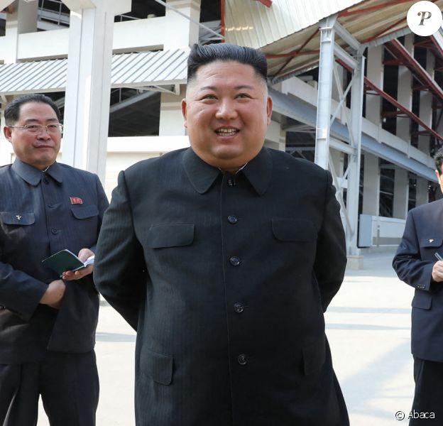 Kim Jong-un lors de l'inauguration d'une usine d'engrais à Sunchon, en Corée du Nord, le 1er mai 2020.