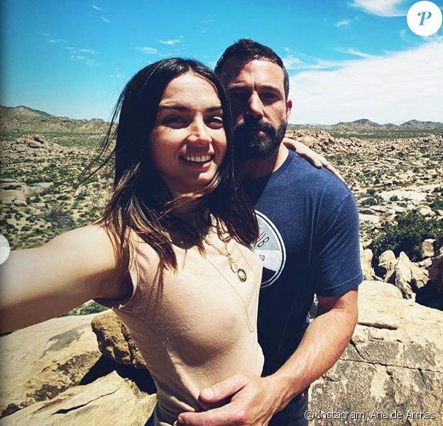 Ana de Armas fête ses 32 ans avec son compagnon Ben Affleck. Mai 2020.