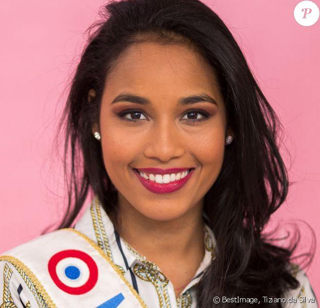 Exclusif - Rendez-vous avec Miss France 2020, Clémence Botino dans les locaux de Webedia lors d'une interview pour Purepeople à Levallois-Perret le 29 janvier 2020. © Tiziano da Silva/Bestimage