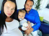 """Julie Ricci enceinte et """"horrible"""": critiquée à cause d'une photo, elle réplique"""