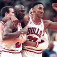 Michael Jordan et Scottie Pippen, après la victoire des Bulls face au Jazz d'Utah à Chicago, le 1er juin 2004