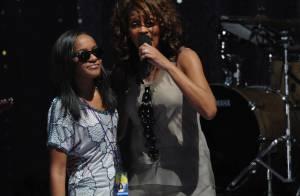 Whitney Houston : malgré le soutien de sa fille de 16 ans, elle plante son grand retour regardez et... écoutez !