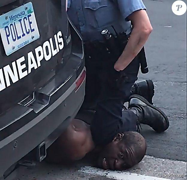 Capture d'écran - Arrestation de George Floyd à Minneapolis ; il est mort peu de temps après à l'hôpital le 27 mai 2020. © Darnella Frazier/Facebook/ZUMA Wire / Bestimage