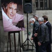 Obsèques de Guy Bedos : Belmondo, Jean Dujardin, Doria Tillier... l'adieu des VIP