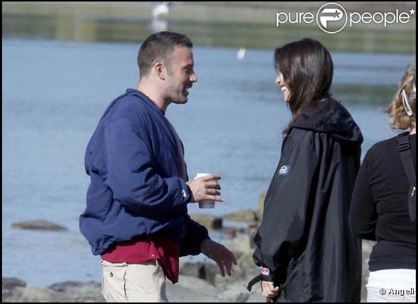 Ben Affleck et la très belle Rebecca Hall s'entendent comme deux larrons en foire sur le tournage de  The Town , à Boston, en septembre 2009 !