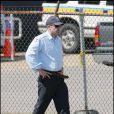 Ben Affleck en flic, la ceinture lâchée... hum hum... sur le tournage de  The Town , à Boston, en septembre 2009 !