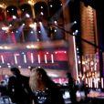 Gautier Capuçon lors d'un échange en visio-conférence avec un petit garçon hospitalisé à Lyon. La Première Dame Brigitte Macron était présente en tant que Présidente de la Fondation Hôpitaux de Paris-Hôpitaux de France. - Symphonie pour la vie - Les artistes se mobilisent pour les soignants - Une grande soirée musicale au Théâtre du Châtelet à Paris diffusée le 24 juin en prime time sur France 3. Le 15 juin 2020. © Dominique Jacovides/Bestimage
