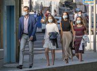 Letizia et Felipe d'Espagne, à pied et masqués : sortie en famille remarquée