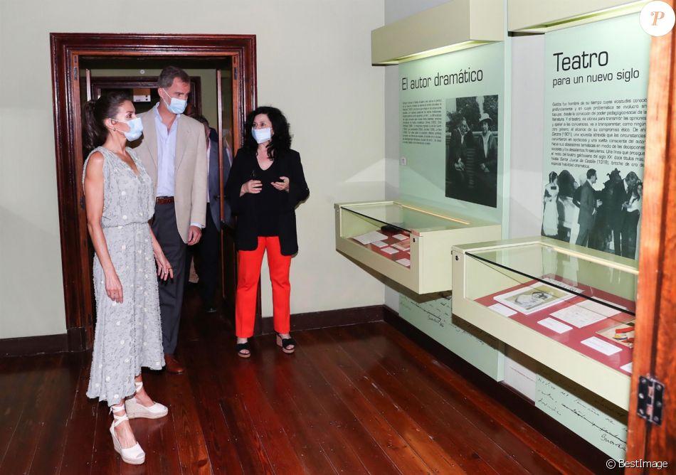 Le roi Felipe VI et la reine Letizia d'Espagne en visite à Las Palmas (Grande Canarie) pendant l'épidémie de coronavirus (Covid-19), le 23 juin 2020.