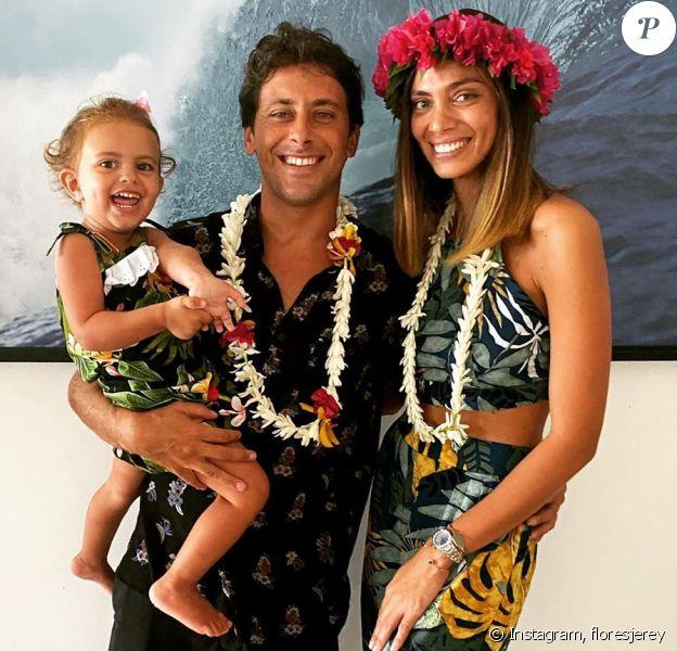 Jérémy Florès et Hinarani de Longeaux avec leur petite fille Hinahei le 14 juin 2020.
