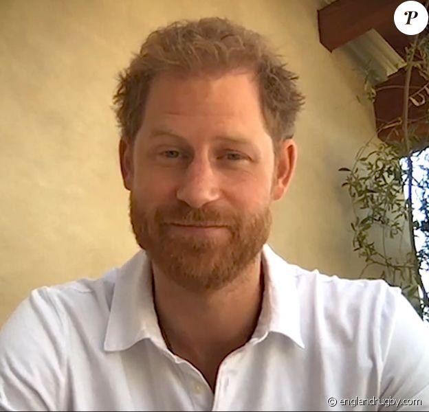 Le prince Harry fait une apparition vidéo pour soutenir le rugby anglais depuis sa villa de Los Angeles, le 25 juin 2020.