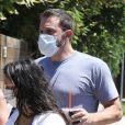 Ben Affleck et sa compagne Ana de Armas se rendent chez des amis à Los Angeles le 3 juillet 2020.