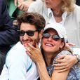 Pierre Niney et sa compagne Natasha Andrews enceinte de leur 2ème enfant - People dans les tribunes lors de la finale messieurs des internationaux de France de tennis de Roland Garros 2019 à Paris le 9 juin 2019. © Jacovides-Moreau/Bestimage