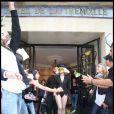 Lady Gaga, à la sortie de l'Hotel de la Trémoille, à Paris, jeudi 10 septembre.
