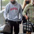 Exclusif - Brooklyn Beckham et sa compagne Nicola Peltz arrivent à l'aéroport JFK de New York pour prendre l'avion le 25 juin 2020.