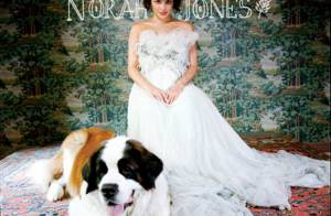 Norah Jones a du chien et met du sang neuf dans sa musique : regardez !