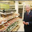 Le prince Charles et Camilla au supermarché Waitrose de Belgravia, à Londres, le 10 septembre 2009