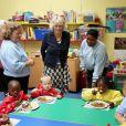 Camilla Parker Bowles dans un centre de soutien aux sans-abri et aux démunis, le 11 septembre 2009