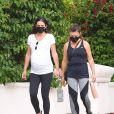 Exclusif - Lea Michele, enceinte, se balade avec sa mère Edith Sarfati. Santa Monica, Los Angeles, le 30 juillet 2020.