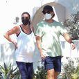Exclusif - Lea Michele, enceinte, se balade avec son mari Zandy Reich. Los Angeles, le 30 juillet 2020.