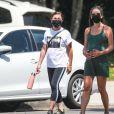 Exclusif - Lea Michele, enceinte, se balade avec sa mère Edith Sarfati. Santa Monica, Los Angeles, le 14 juillet 2020.