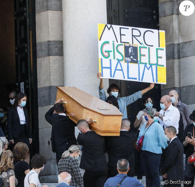 Arrivées aux obsèques de Gisèle Halimi au Père Lachaise à Paris. Le 6 août 2020