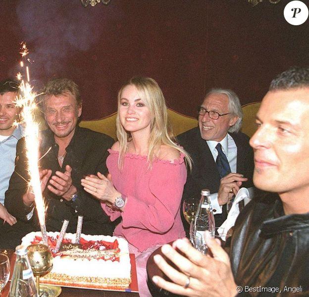 25e anniversaire de Laeticia Hallyday avec son mari Johnny au VIP Room avec Jean-Roch en 2000