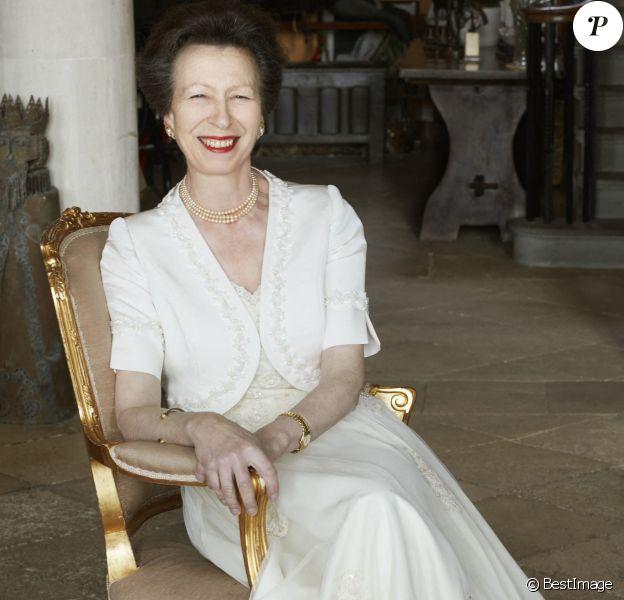Pour les 70 ans de la princesse Anne, des photos inédites ont été dévoilées, le 15 août 2020 sur Instagram. Des photos signées John Swannell.