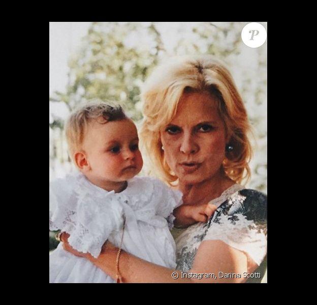 Darinna Scotti rend hommage à sa mère Sylvie Vartan pour son anniversaire. Le 16 août 2020.