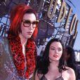 Marilyn Manson et Rose McGowan aux MTV Video Music Awards en 1998, en Californie.